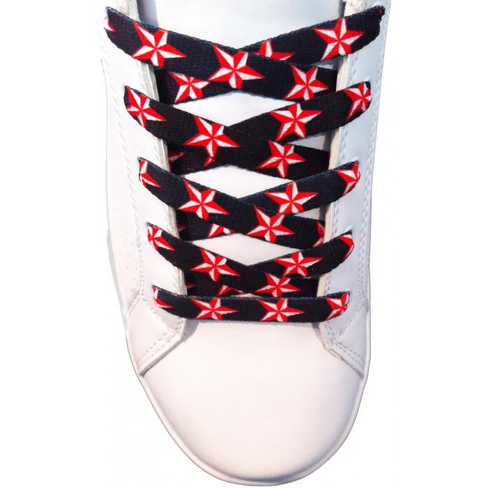 Schnürsenkel mit roten Sternen